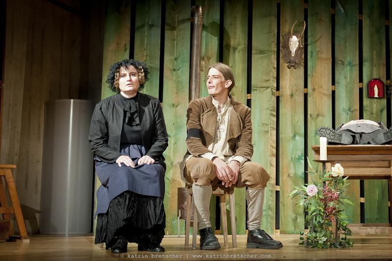 Anna Däniker - Witwe und Häx (turbine theater 2013)