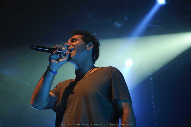 Serj Tankian of System of a Down solo live at Komplex 457 in Zurich - live concert photo by professional music photographer Katrin Bretscher