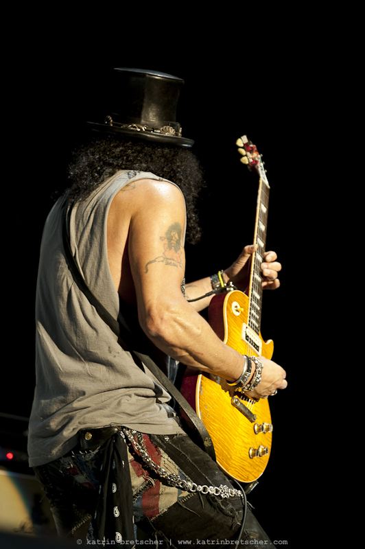 Slash feat. Myles Kennedy opening the show for Mötley Crüe in Basel, Switzerland. Photo by professional rock photographer Katrin Bretscher from Zurich