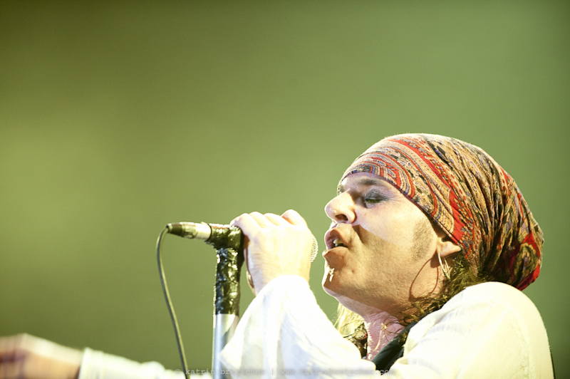 The Quireboys live on stage opening for Guns n' Roses in Basel - photo by professional rock photographer Katrin Bretscher